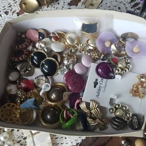Jewelry - Lot of over 25 pairs of vintage clip on Earrings